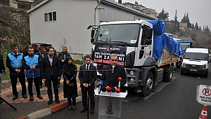Elazığ'a 5 Kamyon Yardım