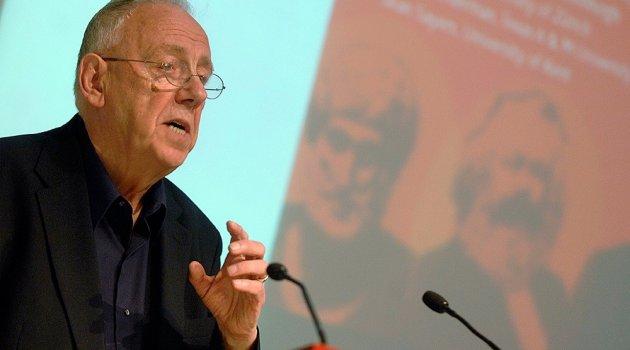 Demokrasiden ahlaki değerlerin gelişimine felsefe dizisi VBKY'de