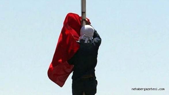 Hangi İki Şehirde Türk Bayrağı İndirildi