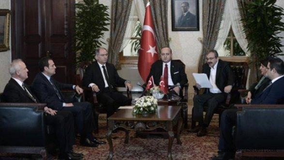 PKKya Yapılan Silah Bırakma Çağrısı Ulusarası Basından Dünyaya Duyuruldu